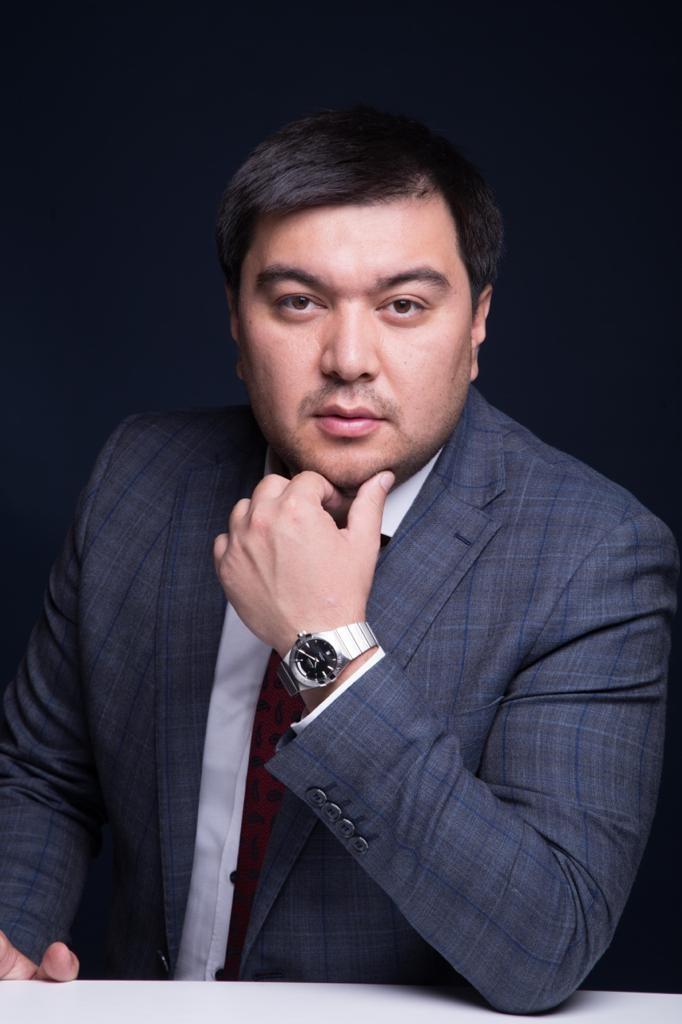 Рустам Худияров